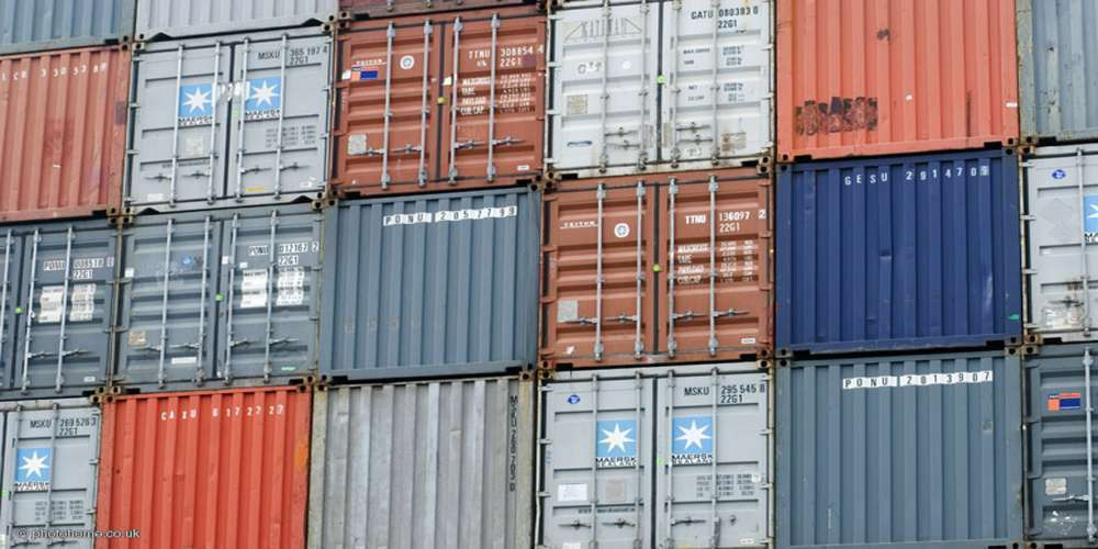 Shipping container costs about 2 000 euros container - Container homes san diego ...